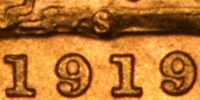 Reverse of 1919 Sydney Mint Sovereign Close Up of Date & Mintmark